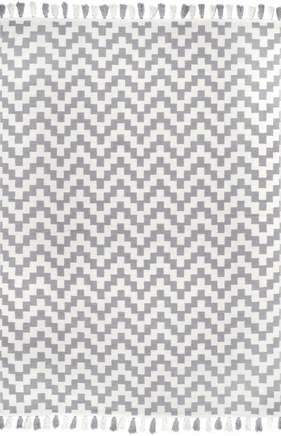 Light grey and white chevron flatweave area rug by Nuloom
