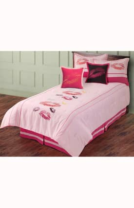 Hallmart Collectibles Kids Smootches Comforter Set